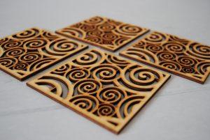 Podkładki pod kubek drewniane (4 szt.) – PPK02